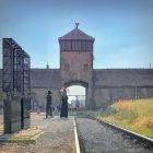 Desenho representando Auschwitz