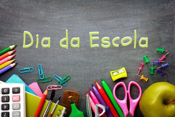 O dia 15 de março foi escolhido para homenagear as escolas nacionais