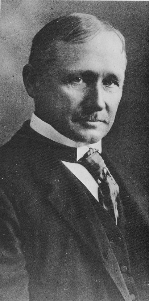 Frederick Taylor introduziu o conceito da chamada Administração Científica.