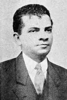 O escritor Lima Barreto em 1917.