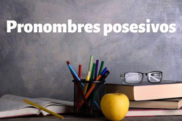 Pronomes possessivos indicam relações de posse.