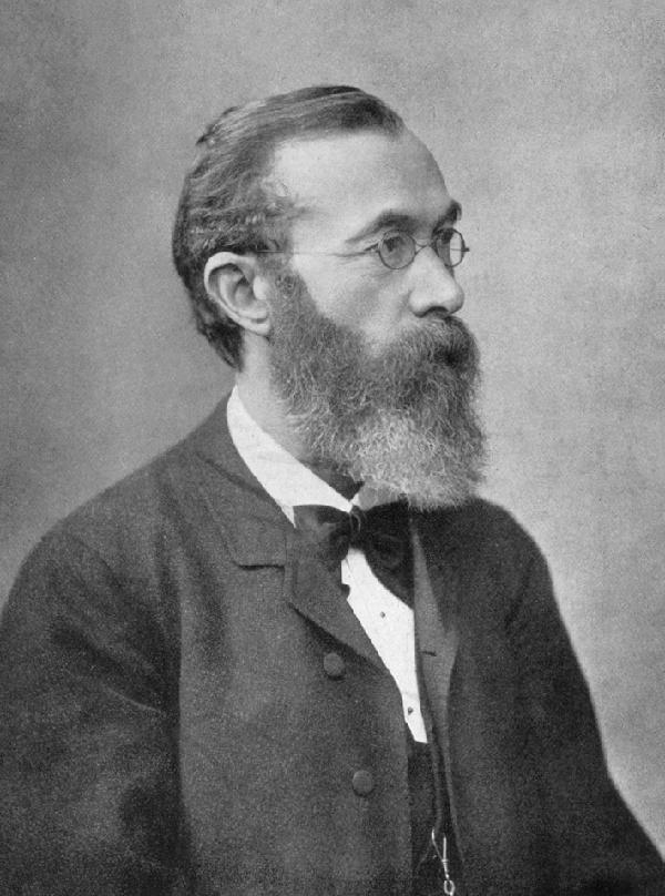 O filósofo e psicólogo alemão Wilhelm Wundt postulou os primeiros indícios do método estruturalista na Psicologia.