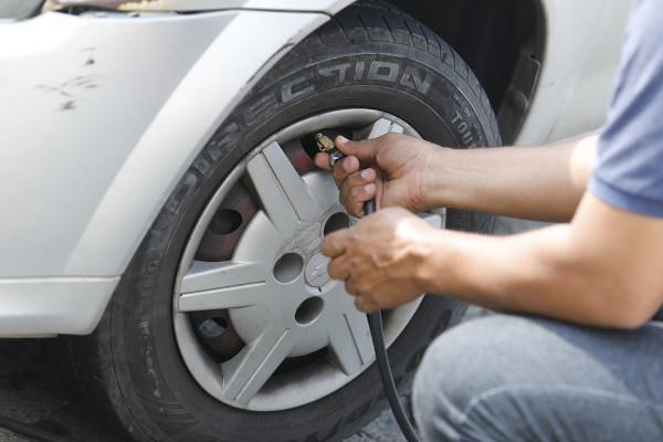 Calibragem de pneus, sistema em que pode acontecer uma transformação isocórica.
