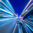 Carro acelerando
