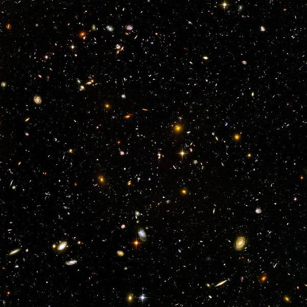 Feita pelo telescópio Hubble, a imagem mostra bilhões de galáxias em uma pequena fração do céu noturno. [1]