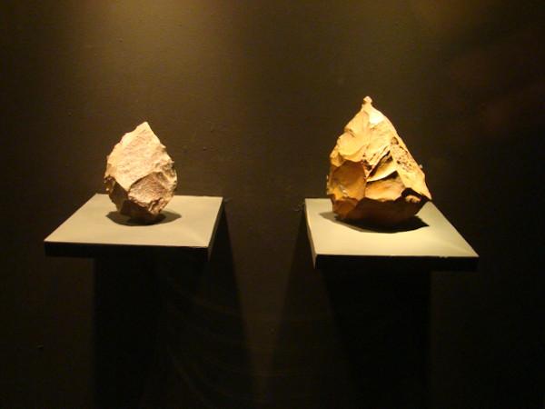 Pontas de pedras utilizadas pelos hominídeos como ferramentas ou instrumentos de trabalho. [1]