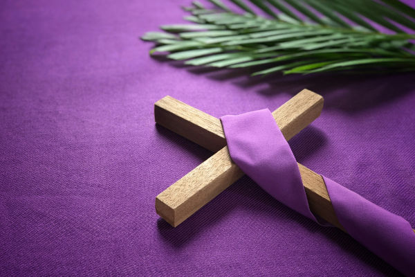 Tradicionalmente, a Quaresma inicia-se na Quarta-feira de Cinzas e encerra-se no Domingo de Ramos.