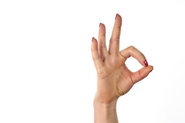 Nos últimos anos, o sinal de ok, feito com a mão, foi apropriado pelos supremacistas e transformado em um gesto racista.