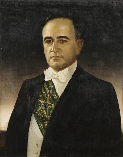 Getúlio Vargas usou o Plano Cohen como justificativa para o golpe de Estado que impôs a ditadura do Estado Novo a partir de 10 de novembro de 1937.