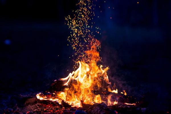 Toda combustão (queima) gera energia na forma de calor, mas quanto? A entalpia serve para responder a essa questão.