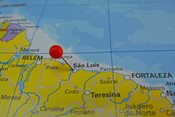Recorte de mapa com destaque para a localização de São Luís