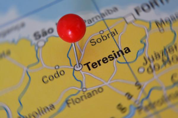 Mapa do Nordeste com foco em Teresina.