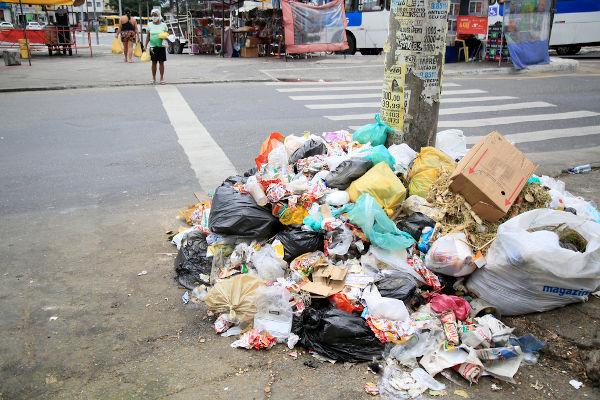 Lixo na cidade.