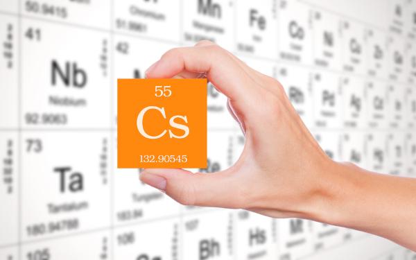 Símbolo químico do elemento césio.