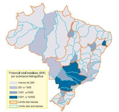 Mapa do Brasil com a indicação do potencial de geração de energia elétrica por sub-bacias.