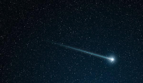 Resultado de imagem para estrela cadente