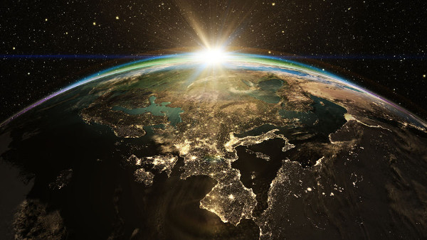 Se a Terra parasse de girar em torno de seu eixo, teríamos dias e noites de 6 meses de duração.
