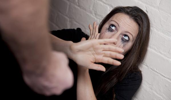 Vários casos de feminicídio foram noticiados em agosto