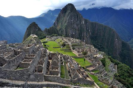 Cidade Inca de Machu Picchu, no alto da Cordilheira dos Andes, Peru