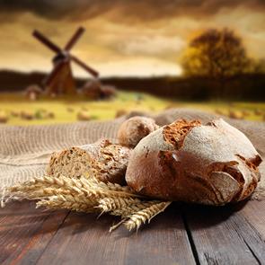 A produção do pão foi desenvolvida há mais de 6.000 anos e ainda hoje é essencial na alimentação da população