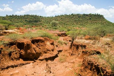 Área erodida pela mau uso do solo, com a perda de uma área agricultável