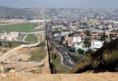 Imagem da cidade de Tijuana, na fronteira com San Diego, cidade do estado da Califórnia