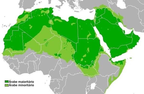 Mapa da distribuição predominante da população árabe ¹
