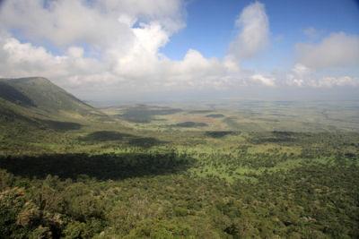 Rift Valley, localizado no Quênia. Um tipo de depressão originado pela ação de agentes endógenos do relevo