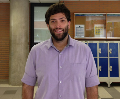 Professor Júlio Ribeiro afirma que o uso de aplicativos em sala de aula aumenta as possibilidades de ensino