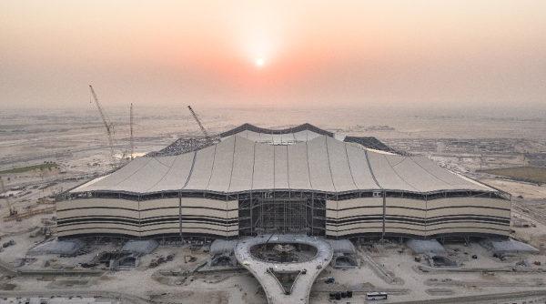 Estádio Al Bayt receberá jogos até a semifinal da Copa. (Crédito: Divulgação)