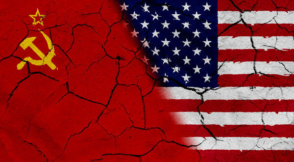 Na Guerra Fria, americanos e soviéticos lutaram pela supremacia internacional, entre 1947 e 1991.