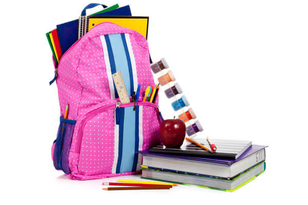 Para não prejudicar a saúde, uma dica é avaliar se tudo que está na mochila é realmente necessário.