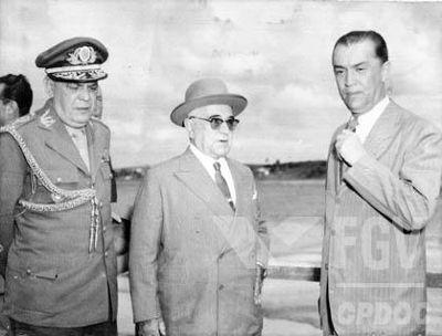 Visita de Vargas a Minas Gerais poucos dias antes de cometer suicídio, em 1954. [1]