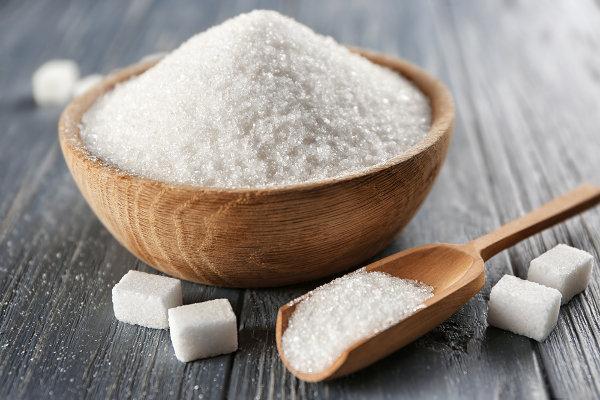 O excesso de açúcar na alimentação pode trazer prejuízos à saúde.