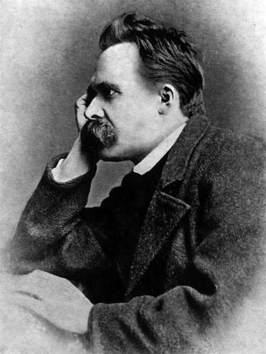 Friedrich Nietzsche influenciou Weber em suas noções de ciência e história.