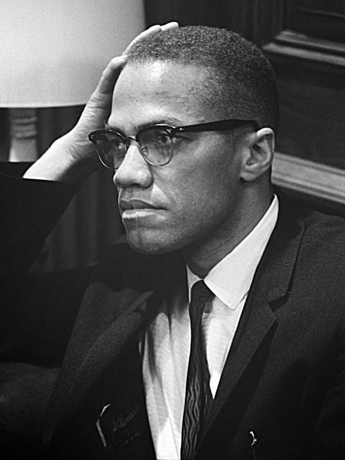 Malcolm X, um dos expoentes da luta por igualdade racial nos Estados Unidos e no mundo.