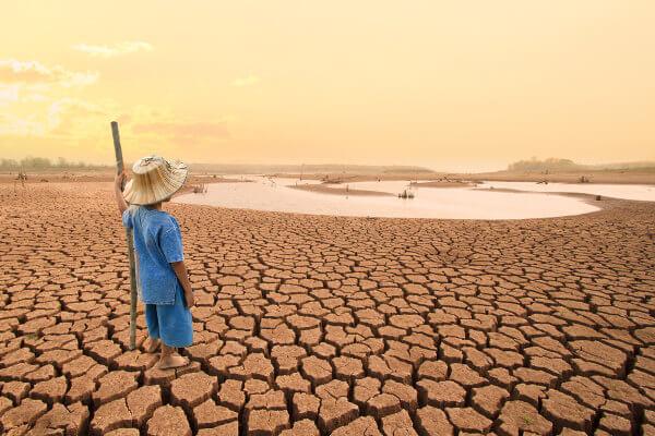 O aumento da temperatura pode levar a episódios de seca extrema.