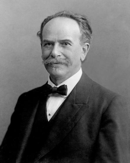 Franz Boas foi um importante nome para o estudo das sociedades e etnias periféricas, de acordo com o eurocentrismo