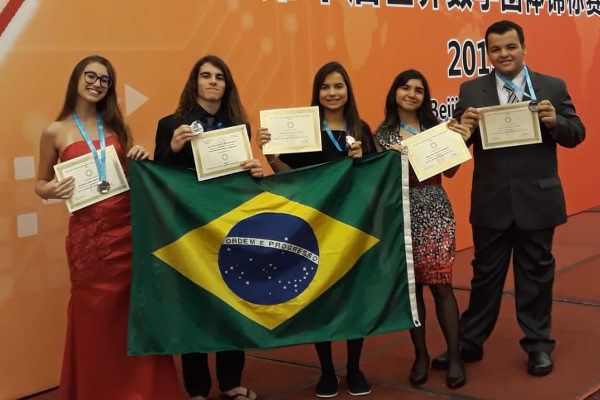 Estudantes brasileiros foram medalhistas na 10ª World Mathematics Team Championship