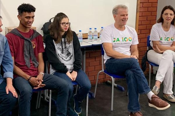 Bernardinho em palestra com estudantes [1]