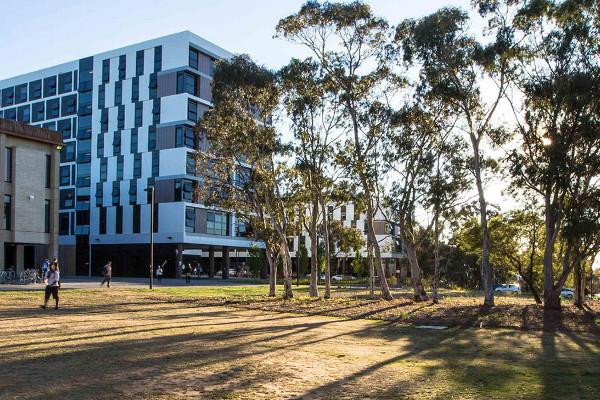 University of Canberra, na Austrália